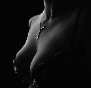 aumento de pecho en mama fibroquística