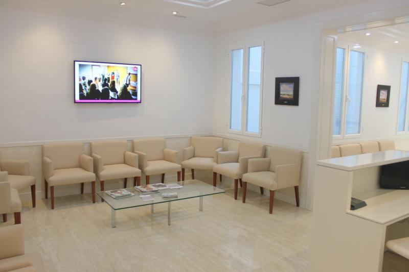 Primera consulta, sala de espera dr. Sordo