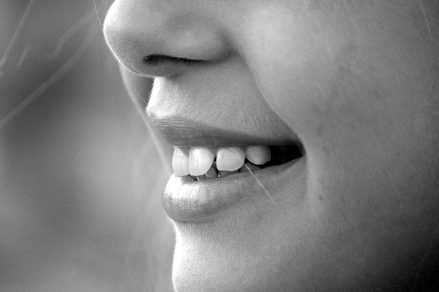 Cómo remodelar la punta de la nariz