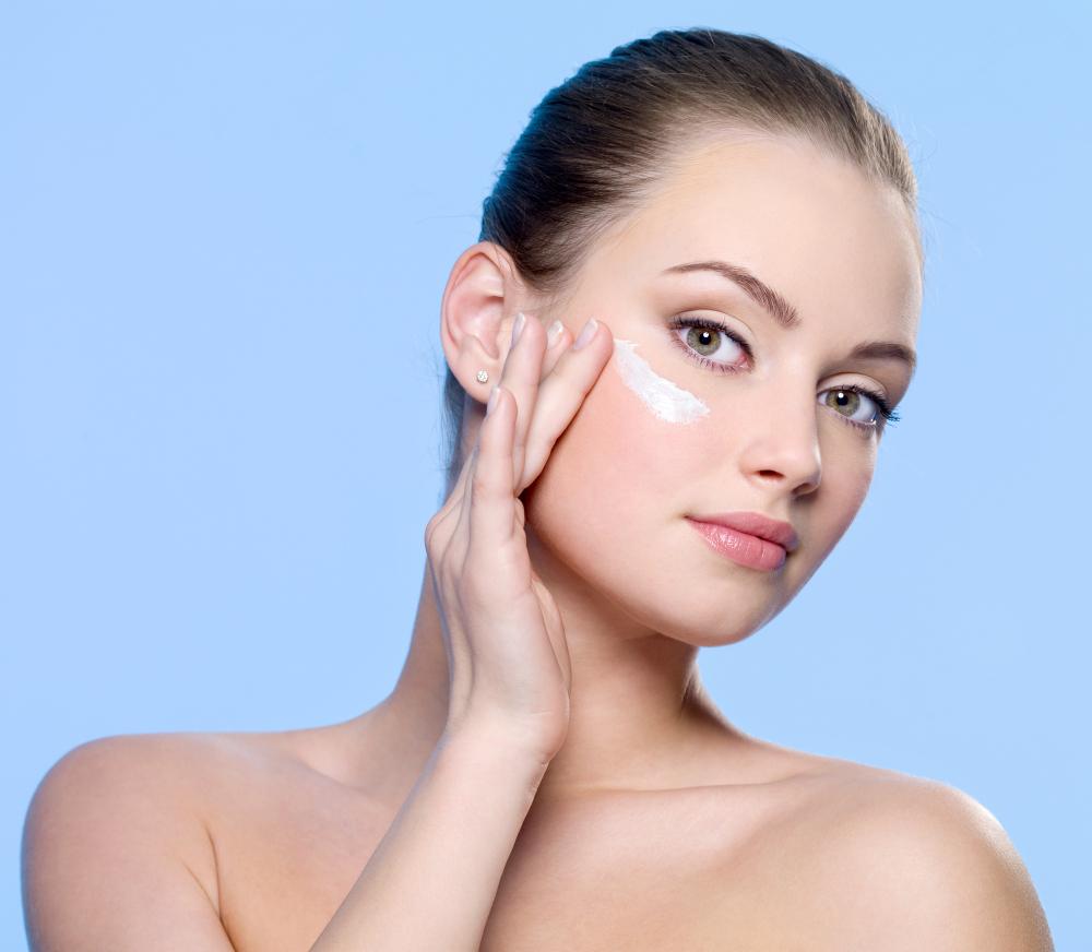 ¿Funcionan las cremas para los ojos?